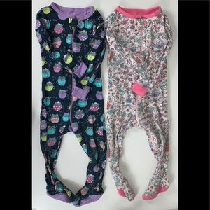 2 pieces footed sleepers size 18-24 months